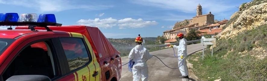 Els bombers de la Diputació han realitzat 153 serveis de desinfecció des de la declaració de l'emergència sanitària