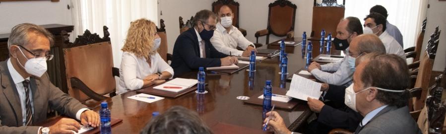 La Diputació mostra la seua disposició a debatre en el Patronat de Turisme les propostes de Altur Hosbec per a redefinir el model turístic provincial