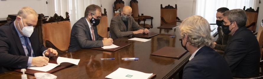 La 'Nueva Diputación' firma un póliza de crédito de 18 millones de euros con Cajamar para activar los adelantos de tesorería solicitados por los ayuntamientos