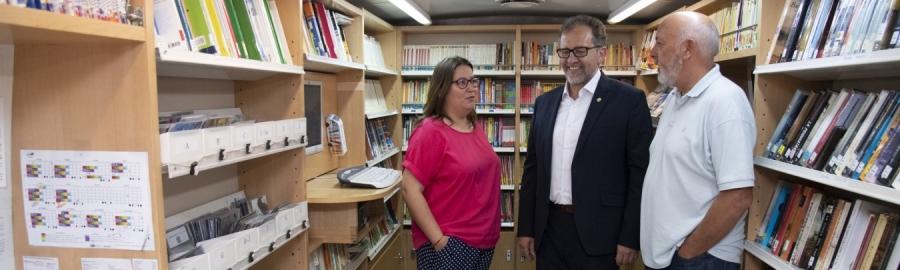 La Diputació ampliarà a més comarques de l'interior el servei de biblioteca mòbil amb l'adquisició d'un nou bibliobús