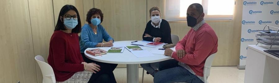 La Diputación y la AECC se unen para convertir las playas de Castellón en espacios libres de humo